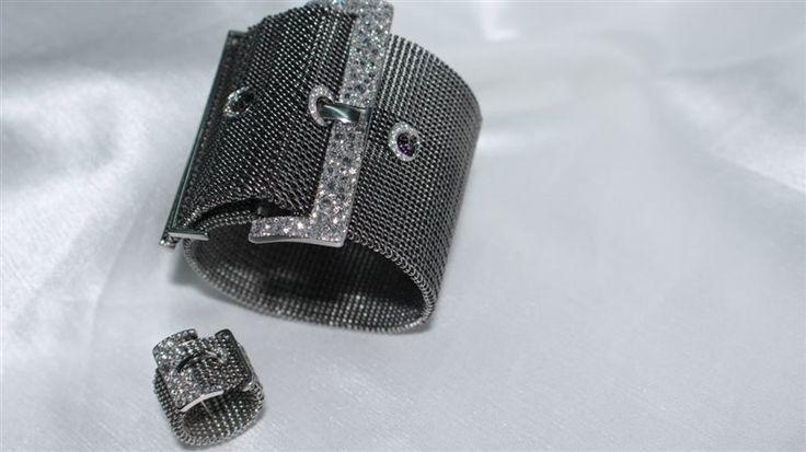 bracciale e anello in titanio naturale maglia milanese e brillanti incassati