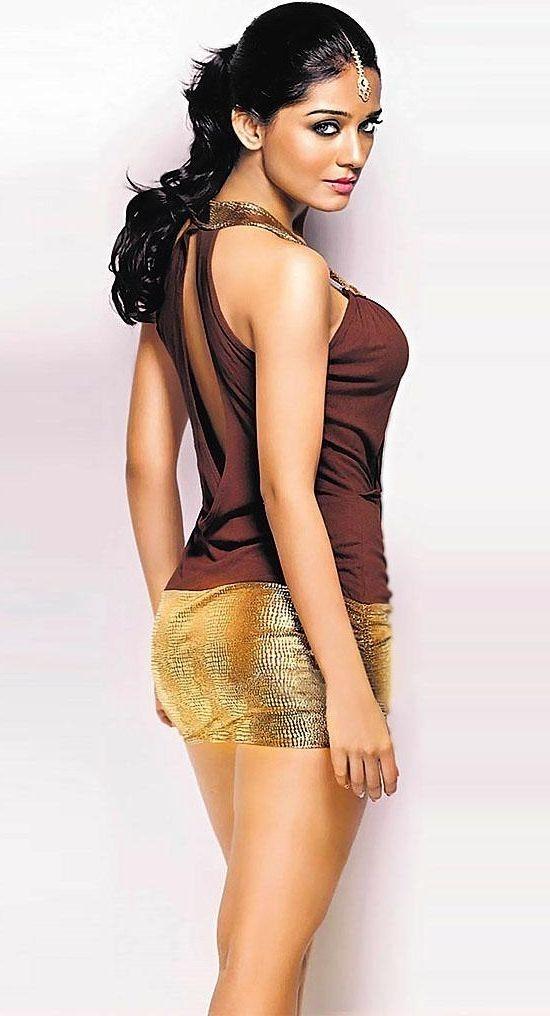 Was and Amrita arora hot bollywood actress