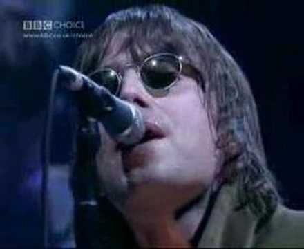 "Oasis - Wonderwall (Live at Jools Holland 2000)   "" There are many things that I'd like to say to you but I don't know how...."""