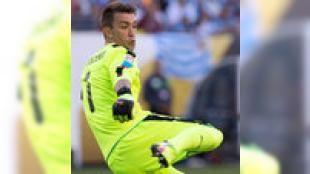 Her yerde 1 numara!: Kalesine duvar örerek birçok maçta Cimboma hayat veren Fernando Muslera Dünya Kupası Güney Amerika elemelerinin en başarılı ismi olarak öne çıktı