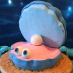"Step by step instructions to make an oyster shell cake for an ""Under the sea"" birthday"