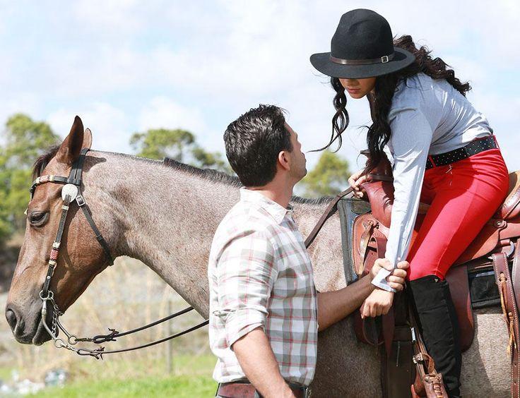 Samuel y Andrea tienen otro de sus enfrentamientos, ahora por los cercos de ambos ranchos #ScarletGruber #ChristianDeLaCampa