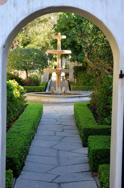 Italian fountain located in the courtyard at #Westmont College in Santa Barbara, CA.
