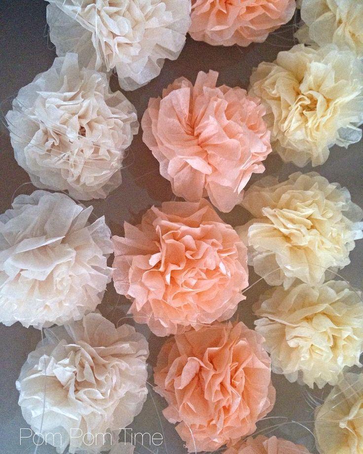 Mini pompomky 5cm na drátku s ockem. Barvy: Champagne, meruňka, vanilka #vanilla #vanilka #vanilkova #sampan #sampanske #merunkova #pomsy #pompomy #ples #vyzdoba #nevesta #slavobrána #sladkykoutek #pompom #dekorace #deti #kyticky #kytice #kvetinarstvi #pompomtime