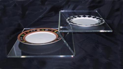Espositore - vassoio per sushi. Lavorazione PLEXIGLASS Milano: Cavinato acrylics s.a.s. - Dal 1949 - Espositori, portabrochure, portadepliants