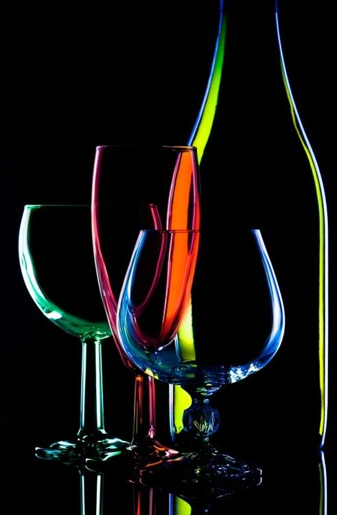 Bottle and Wine Glasses | Amazing Pictures