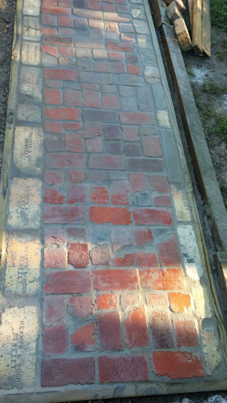 Reclaimed brick & firebrick