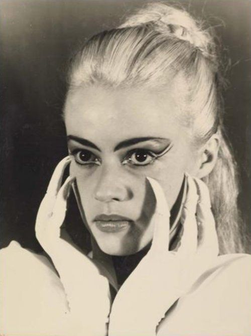 Jeanne Moreau as Le Sphinx in a 1954 adaptation of La Machine infernale by Jean Cocteau