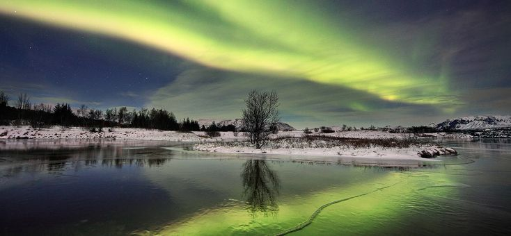 Winter in Iceland  http://www.arcticphoto.is/wp-content/themes/striking/includes/timthumb.php%3Fsrc%3Dhttp://www.arcticphoto.is/wp-content/uploads/2011/09/MidnightDanser.jpg%26h%3D440%26w%3D950%26zc%3D1