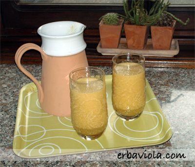 4 carote  5 pesche  1 mela  1 cedro (o 1 limone se non si trova il cedro)