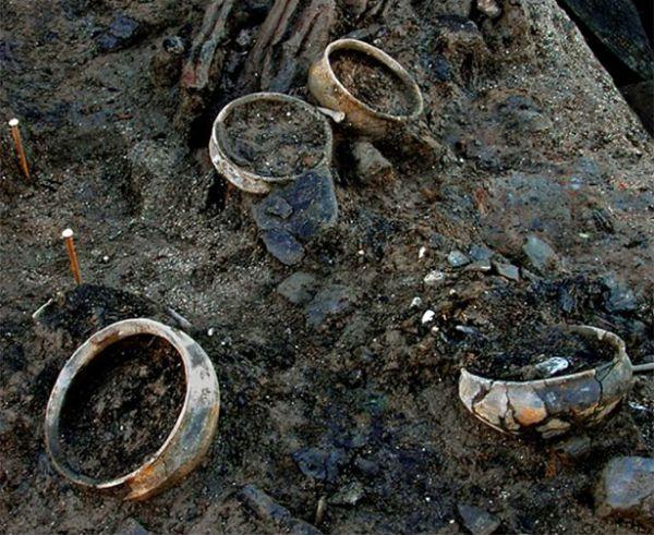 """Что найдено в 3000-летней """"капсуле времени"""" возле Питерборо"""