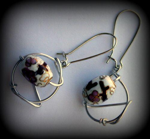 Cloisonne beads in Wire www.madeit.com.au/MadeByKasame