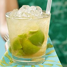 A list of low-cal summery drinks:  Mojitos, Cairipinhas, Margaritas, Long Island Iced Tea, and Sangria.  Yummy!