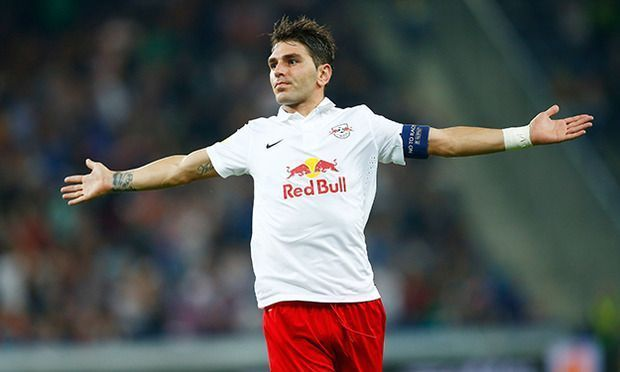 Gol z rzutu wolnego Jonathana Soriano • Liga Europejska • Red Bull Salzburg vs Celtic Glasgow • Soriano uratował remis • Zobacz więcej >>