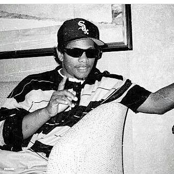 Result of last Battle: Eazy-E:81 // Method Man:51 This is crazy..most of the ones sayin Eazy are lil kids who saw that NWA Movie..Eazy could never win against Meth. #ericwright#90s#hiphop#rap#rapper#nwa#rip#eazye#cpt#compton#godfather#old_school_blood#godfatherofrap#itson#187#rare#ripeazye by _old_school_blood