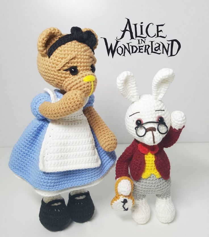 Amigurumi pattern Alice in wonderland
