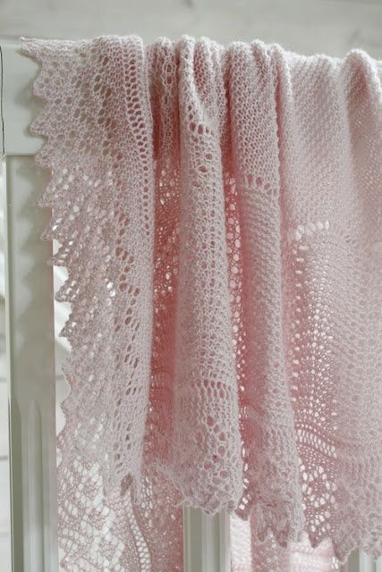 Pink Crochet Blanket - Nice stitching, loose enough that makes it lacy.