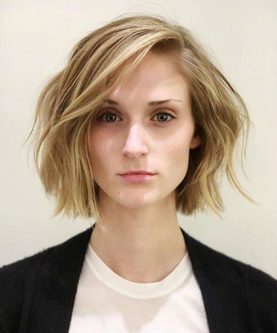 Kurze Frisuren 22 Anspruchsvolle Kurze Wellige Haarschnitte Und