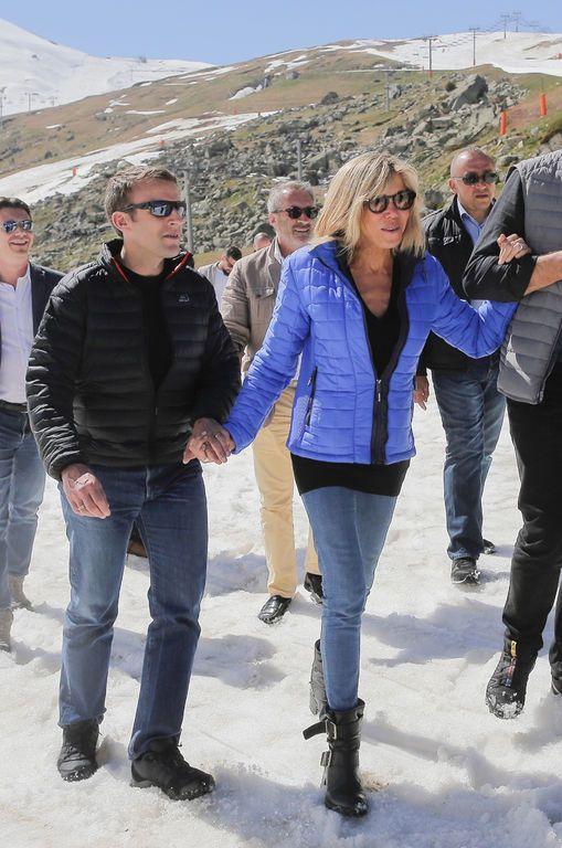 Brigitte Macron et Emmanuel macron dans la station de ski le 12 avril 2017