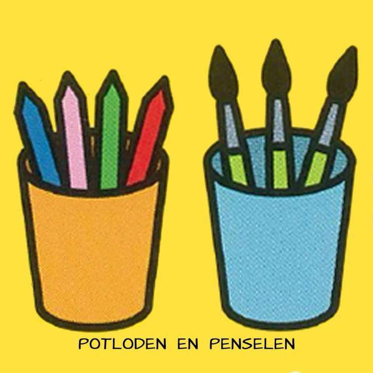 Potloden en penselen sorteren