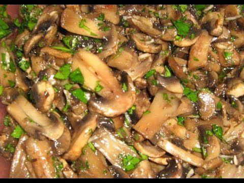 Маринованые грибочки по - быстрому. Как замариновать грибы в домашних ус...https://www.youtube.com/watch?v=--r7JULCcIY