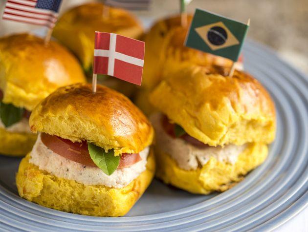 Receita Dedo de Moça: Sanduíche de patê de peito de peru com manjericão