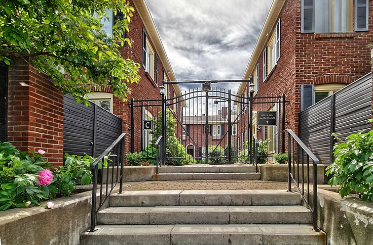 Carre du Musee  Townhouse        $999,000
