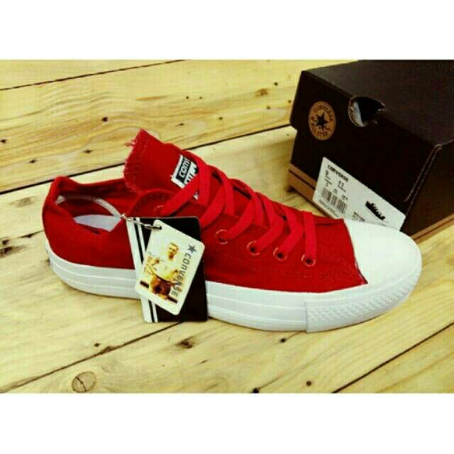 Saya menjual Converse Chuck Taylor Low seharga Rp190.000. Dapatkan produk ini hanya di Shopee! {{product_link}} #ShopeeID