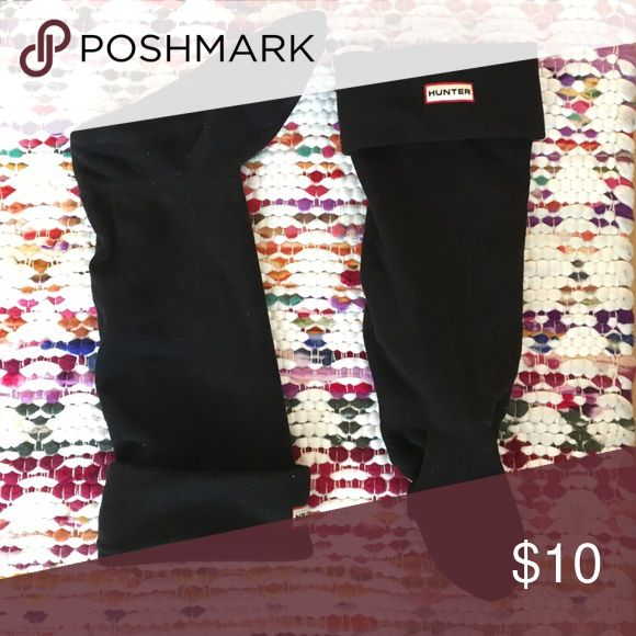 Hunter boots fleece sock Hunter boot insert sock in black. Fleece material to make boots warm! Only worn a couple of times. For tall calf boot. Add these to a bundle with the hunter rain boots for a discount!! Hunter Boots Other
