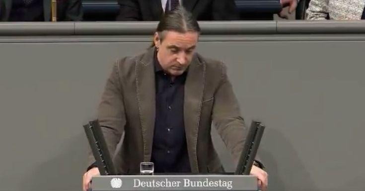 """liDer deutsche Bundestag stimmte letzte Woche über die Fortsetzung des Bundeswehreinsatzes ab. Der Linke-Abgeordnete Alexander Neu kritisierte den Einsatz scharf und erhielt dafür Applaus von der AfD. Die etablierten Parteien sind geschockt. """"Die Bundesregierung wirbt also jetzt für die Fort..."""