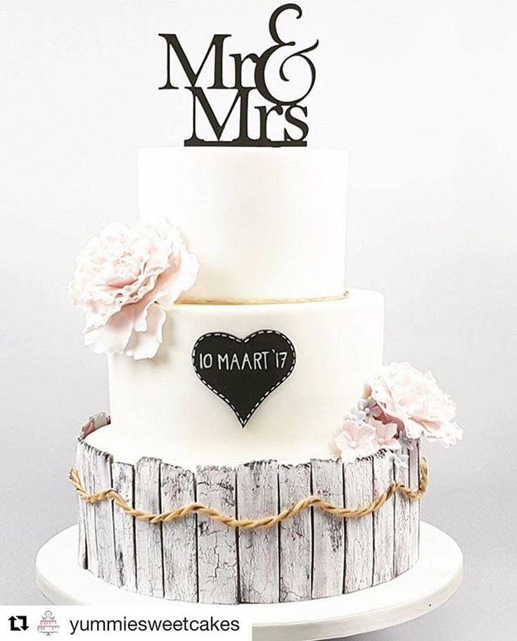 En nog een prachtige bruidstaart van @yummiesweetcake met topper van @lvlycaketoppers #trouwen #bruidstaart #weddingcake #caketopper #instacake #taarttoppers #vintagewedding