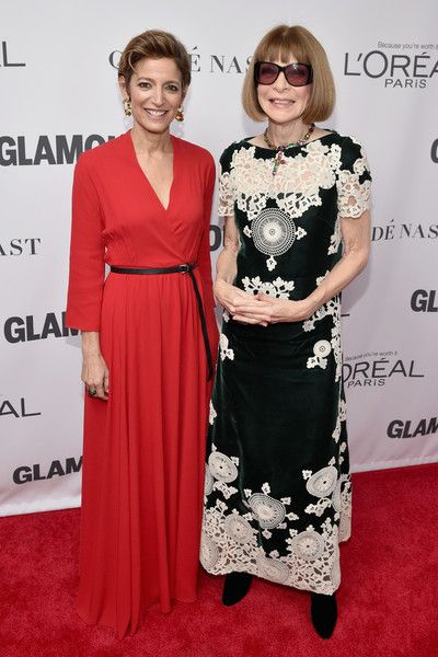 Glamour Magazine Editor in Chief Cindi Leive and Anna Wintour attend Glamour's 2017 Women of The Year Awards at Kings Theatre on November 13, 2017 in Brooklyn, New York.