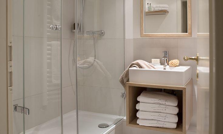 Helles, modernes Duschbad zum Wohlfühlen (mit Bildern