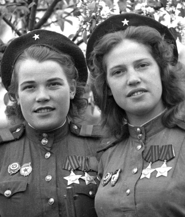 Russian snipers Sergeant A. E. Vinogradova (83 kills) and Junior Lieutenant N. P. Belobrova (70 kills) in Germany (May 4, 1945), photographed by Anatoly Arkhipov