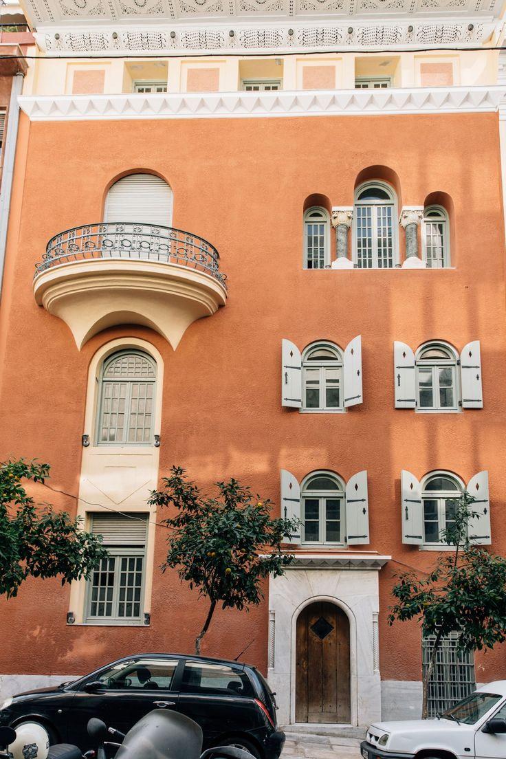 Κατοικία στην οδό Πινδάρου 2. Το οικόπεδο ανήκε στην Θεανώ, σύζυγο Λεωνίδα Δεληγιώργη. Αρχιτεκτονικό έργο του Α' τετάρτου του 20ου αιώνα. Αρχιτέκτονες οι Ernst Ziller και Νικόλαος Ζουμπουλίδης. Σήμερα ιδιοκτησία του Μ.Τ.Π.Υ.