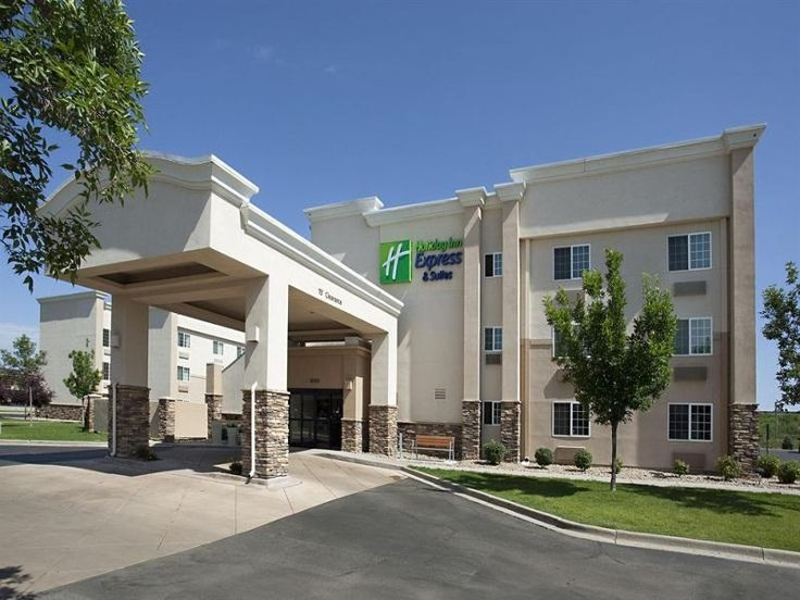 Wheat Ridge (CO) Holiday Inn Express Wheat Ridge-Denver West Hotel United States, North America Stop at Holiday Inn Express Wheat Ridge-Denver West Hotel to discover the wonders of Wheat Ridge (CO). Both business travelers and tourists can enjoy the hotel's facilities and services. To be found at the hotel are free Wi-Fi in all rooms, facilities for disabled guests, Wi-Fi in public areas, car park, airport transfer. Guestrooms are designed to provide an optimal level of comfor...