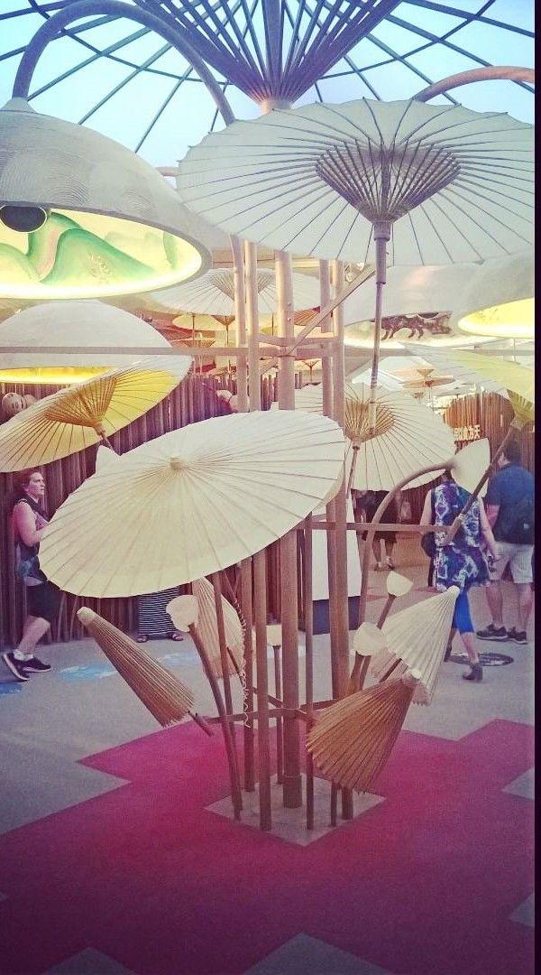 Expo Milano 2015 - China Pavilion (umbrellas).