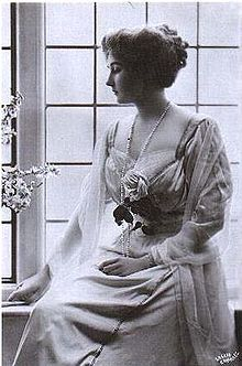 Princess Patricia of Connaught (1886-1974). Accomplished artist and granddaughter of Queen Victoria who gave up her royal title to marry a commoner. photo circa 1900.