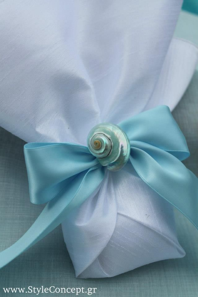 Classic silk favor with natural pearl decoration & wide ribbon