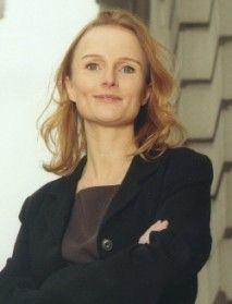"""Læs artiklen om Pernille Fabricius: """"Personlig udvikling: Mor til fire og karrierekvinde""""."""