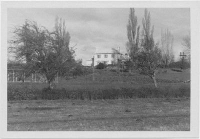 This residential building was designed by architect John Lee Archer.  Some say Calstock is similar and attribute Calstock to Archer. 'Westfield', Tasmania; Unknown; c. 1960 - 1980; TSO00017961 - National Trust of Australia (Tasmania) on eHive