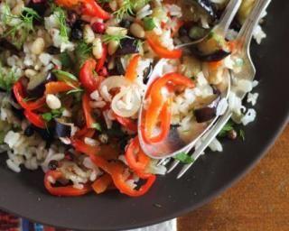 Sauté minceur de riz complet aux légumes colorés : http://www.fourchette-et-bikini.fr/recettes/recettes-minceur/saute-minceur-de-riz-complet-aux-legumes-colores.html