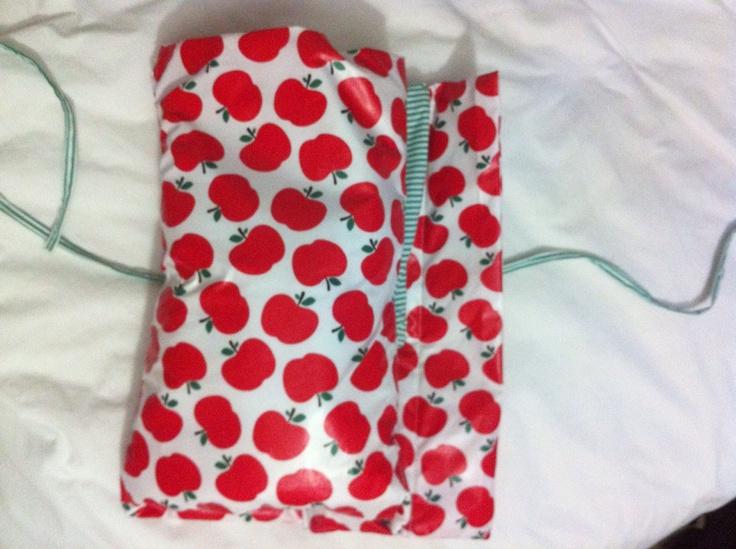 Unfolding nappy wallet/change mat.