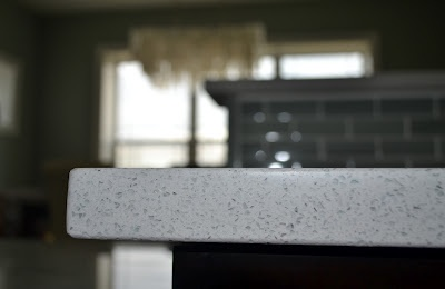 Close up of the hanstone specchio white quartz counter it for Specchio white hanstone
