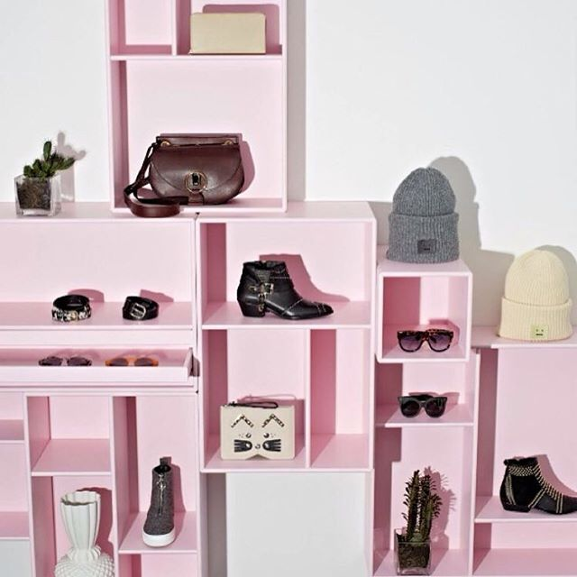 Montana by @decorazioni_interior #montana #furniture #pink #storage #shelving #shopdesign #danish #design #quality