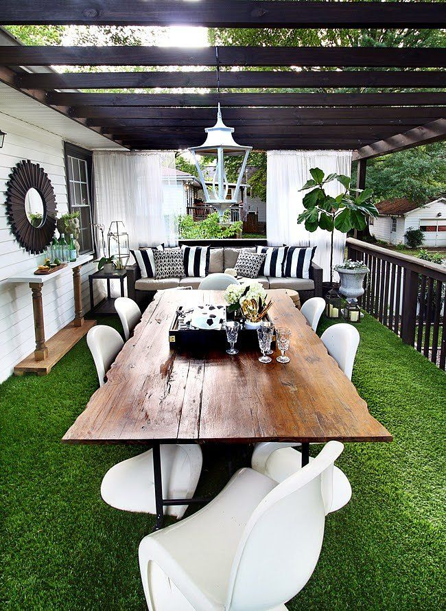 You're Going to Be Obsessed With AstroTurf After You See This http://www.popsugar.com/home/How-Use-AstroTurf-Deck-40670350?utm_campaign=share&utm_medium=d&utm_source=casasugar via @POPSUGARHome