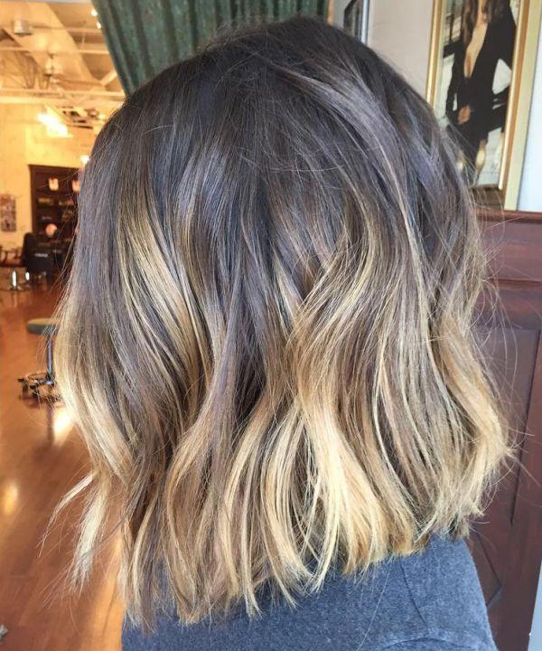 Mit haare strähnen kurze dunkle Frisuren Kurze