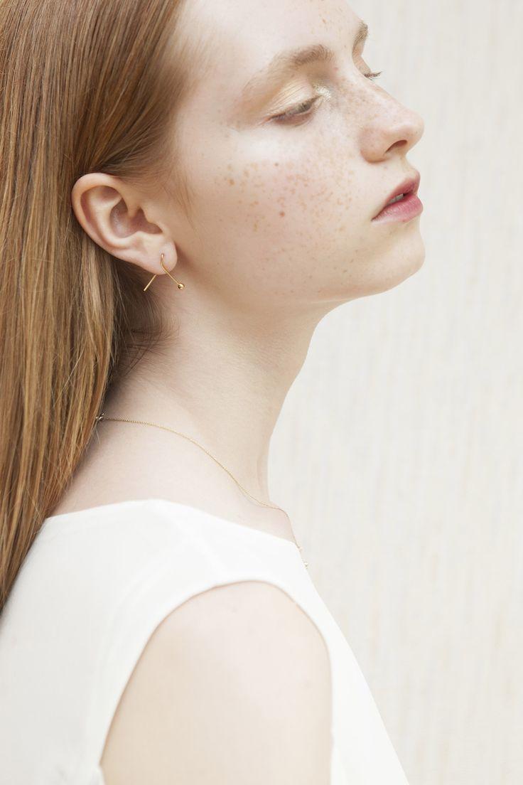earring - jolie - Anna Lawska Jewellery / collection - closeness - / photo - Katarzyna Tur / model - Maria MODEL PLUS
