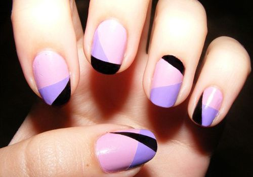 Nail Art sofisticada brincando com a assimetria nas unhas! Os melhores produtos para suas unhas, você encontra em: www.lojadeesmaltes.com.br