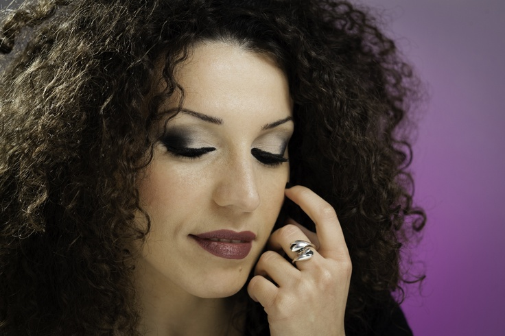 Oh my chic!!! #purple #black #maybeline #elegant #chic #love #mymua #marcellabonfissuto #tutorial Follow me ho youtube www.youtube.com/... #loreal